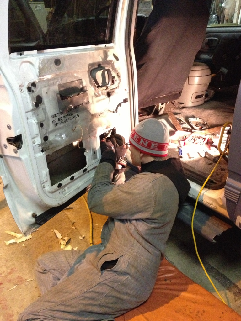 Fixing the window lift motor
